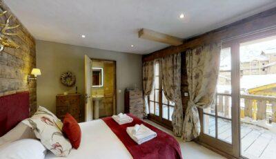 Black Diamond Lodge | Double Bedroom